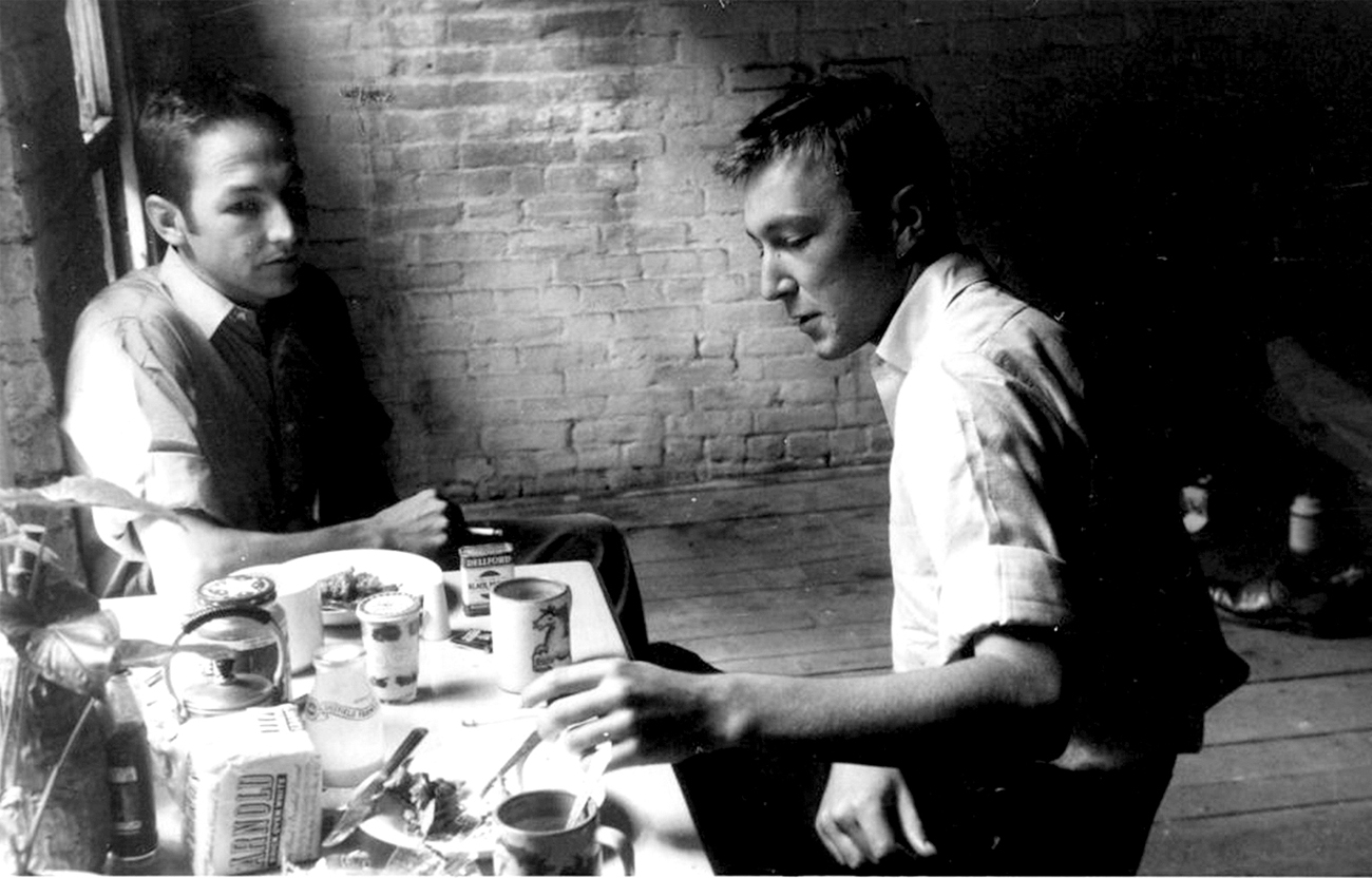 Jasper Johns and Robert Rauschenberg. Image from formidablemag.com
