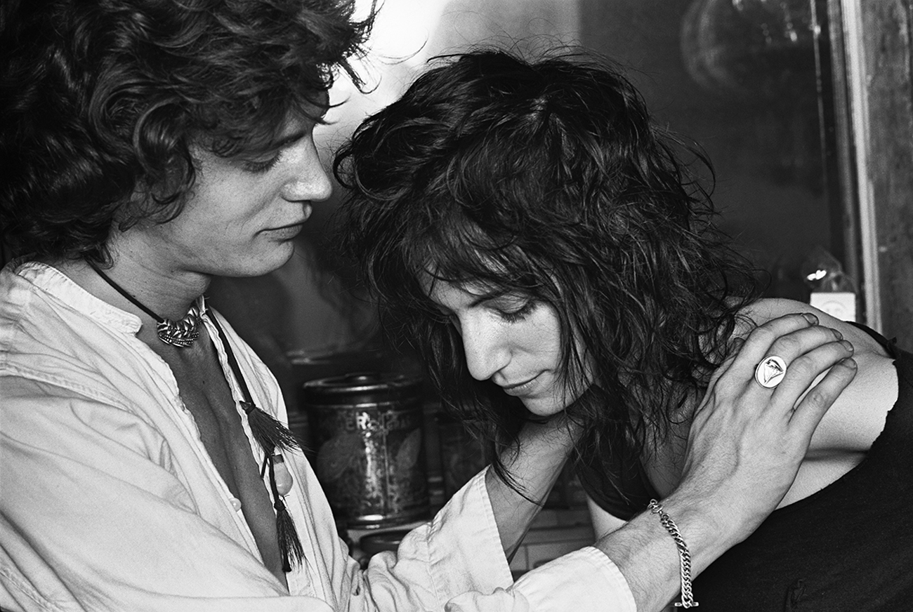 Robert Mapplethorpe and Patti Smith. Image from pinterest.com