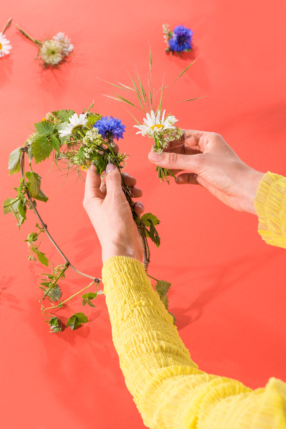 Absolut Midsommar Flower Crown Tutorial