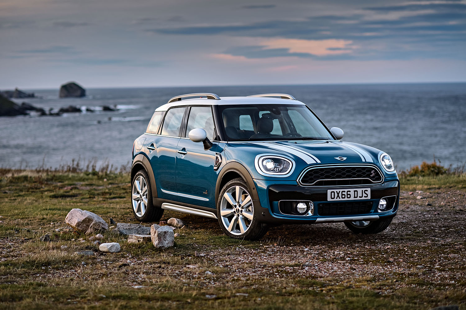 Mini Unveils Its Updated Countryman The Perfect Vehicle For Those Much Aned Upcoming Holiday Vacations Boasting Extra Legroom This Revamped